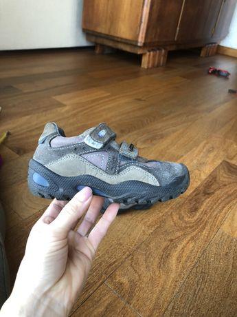 Демисезонные ботиночки Primigi 27