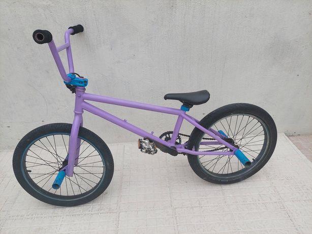 Bicicleta BTT sem travões