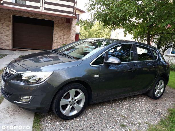 Opel Astra J Sport 1.6 benzyna nawigacja pdc przód i tył serwis z Niemiec opłaty