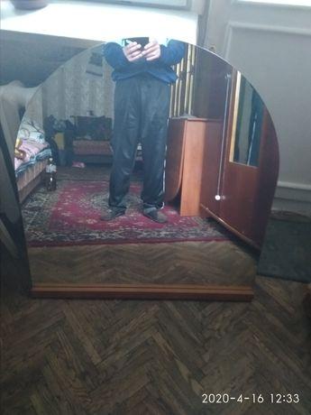 Овальне зеркало