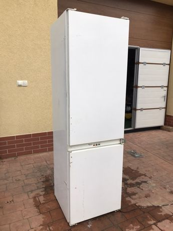Холодильник вбудова Whirlpool