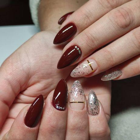 Покриття нігтів гель-лаком, нарощення нігтів