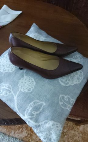sapatos  nr 38e chinelas 36