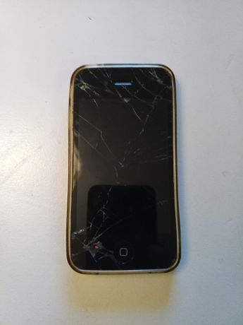 Telemovel Iphone 4S + 7 capas