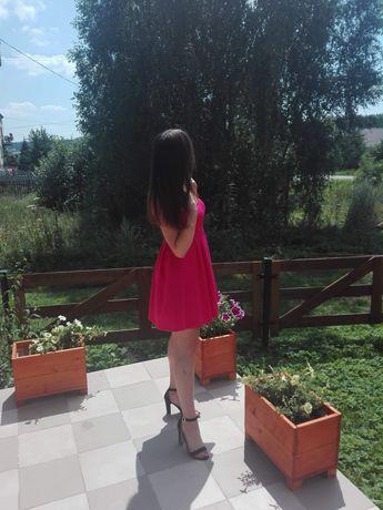 Różowa sukienka MOHITO