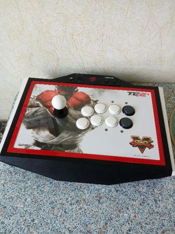 Аркадный стик Mad Catz Street Fighter V Arcade FightStick TE2+