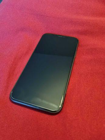 (Rezerwacja)telefon iPhone 11 64GB czarny + 4 etui