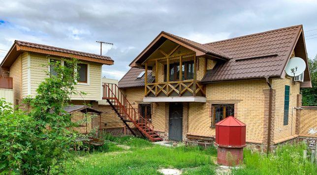Комплекс домов на одном участке - для семьи или под арендный бизнес.