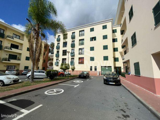 Apartamento T2 no Edifício Alecrim para venda com vistas MAR