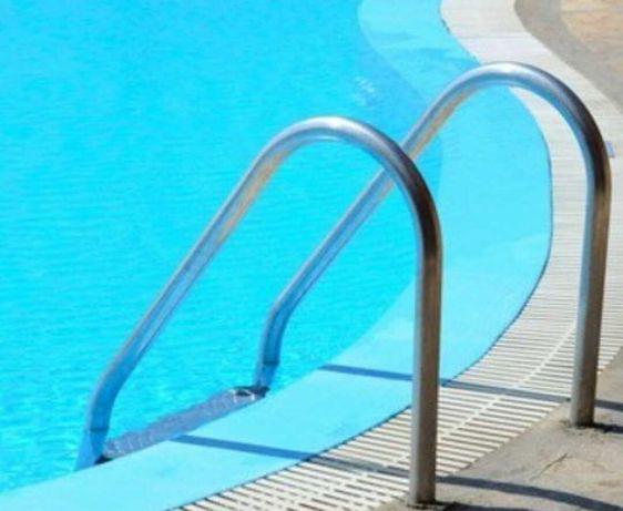 Limpeza de piscinas pool cleaning