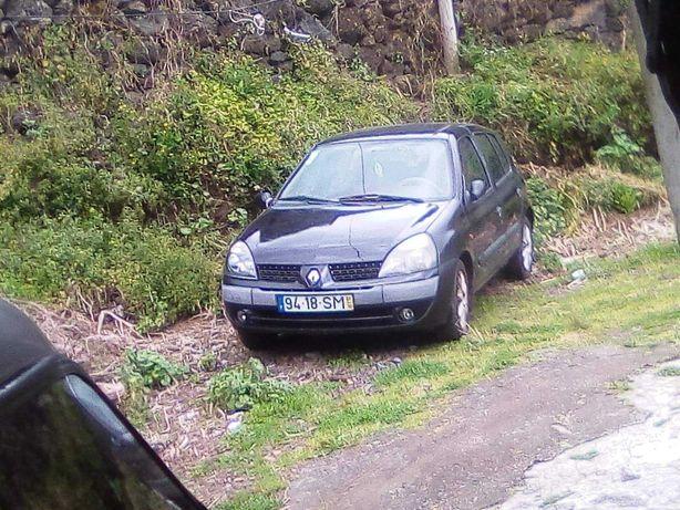 Renault  clio 1.5 dci. Carro diesel a trabalhar  na perfeição.