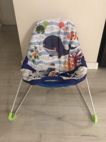 Fotelik, lezaczek dla niemowlaka