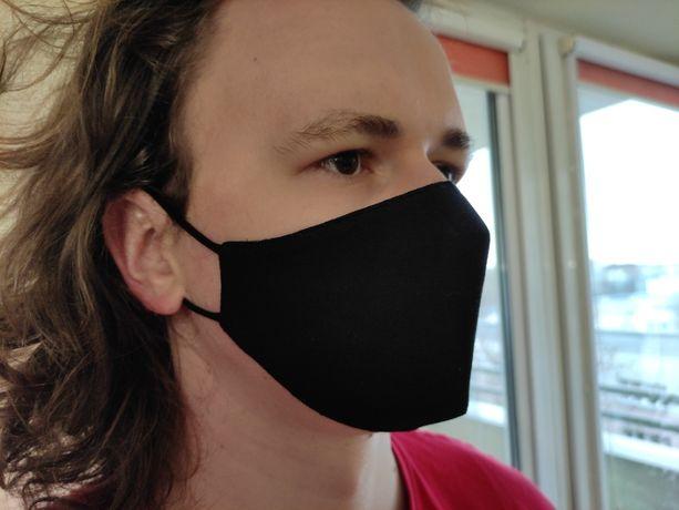 Czarna bawełniana ochronna maseczka profilowana