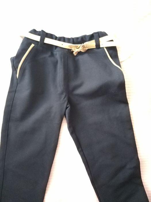 Шкільні штани ідеал. стан, джинси, скинни 128-134р 8-9р,134 Тернополь - изображение 1