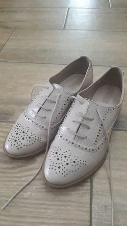 Skórzane buty Stradivarius