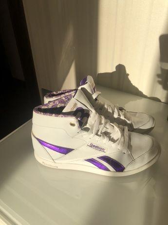Продам кроссовки Reebok