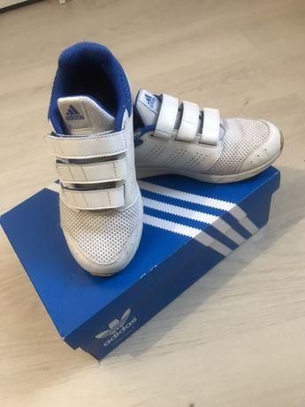 Adidas кросовки 33р
