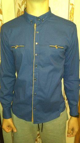 Темно-синяя рубашка новая
