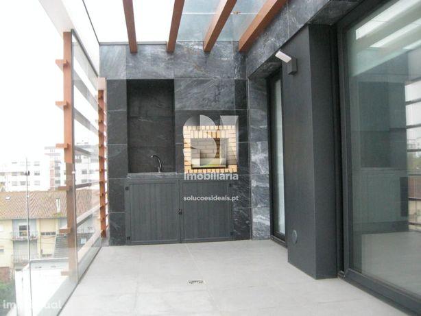 Apartamento T1 com churrasqueira
