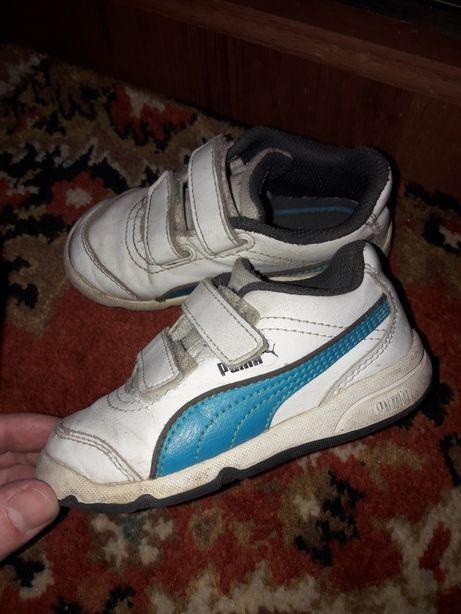 Кросівки фірмові