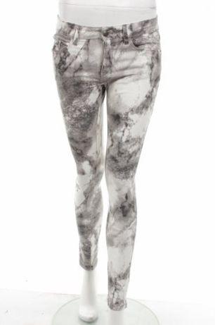 Spodnie Esprit rozm 36 S białe print