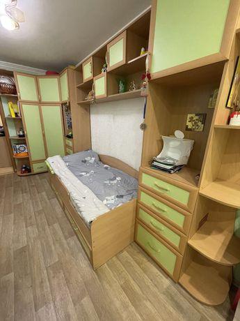 Стенка + кровать +матрас