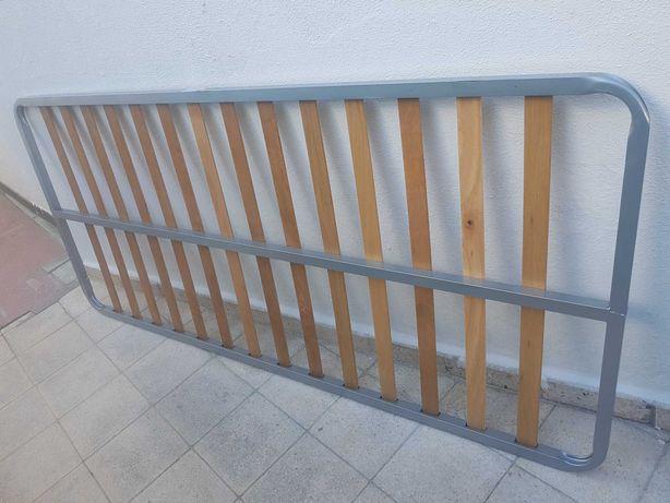 Estrado em ferro e madeira para cama de solteiro