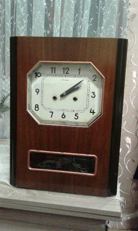 Продам Часы маятниковые настенные с боем/ СССР