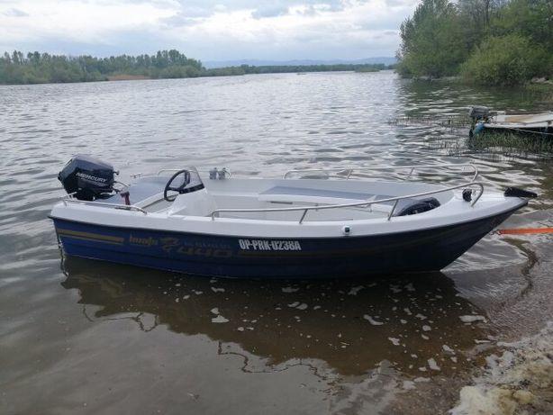 Łódź łódka wędkarska 440