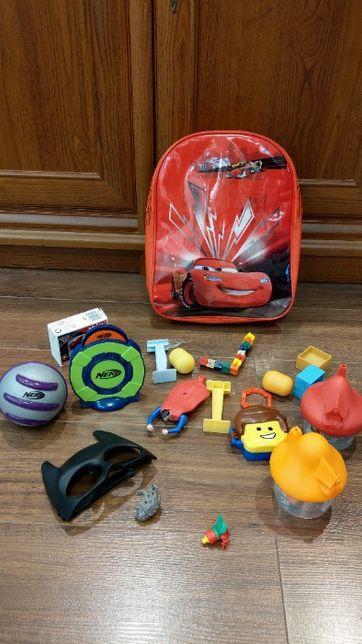 Plecaczek dla dziecka + gratisy, zabawki