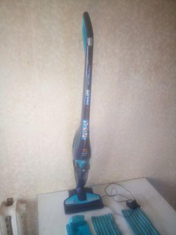 Беспроводной моющий пылесос Philips PowerPro Aqua
