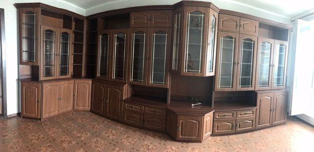 Мебельная стенка в отличном состоянии