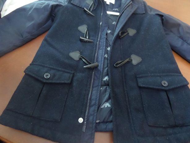 - Lindissímo casaco Armani, 4 anos