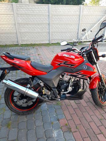 Motorower Benzer