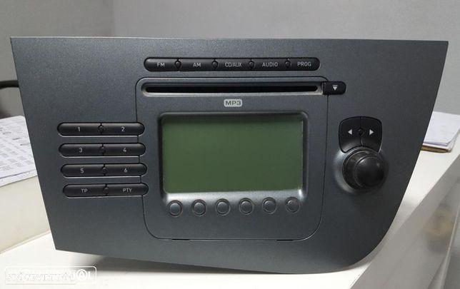 Radio Seat Leon 1P FR Ref. 1P1035186BN87