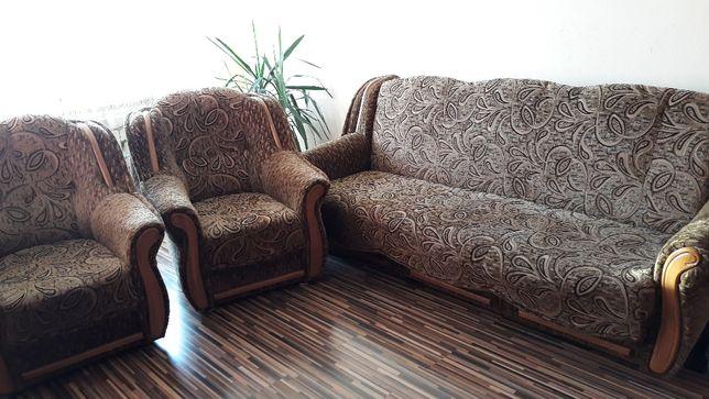Sprzedam komplet mebli kanapa i dwa fotele