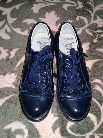 Продам подростковые кожаные туфли разм 34
