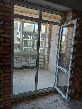 Двері балконні металопластикові REHAU, нові