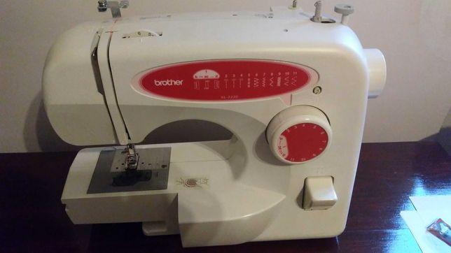 Машинка швейная бытовая