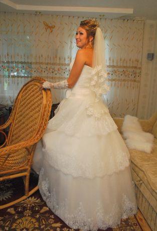 Свадебное платье + ботильоны и все аксессуары