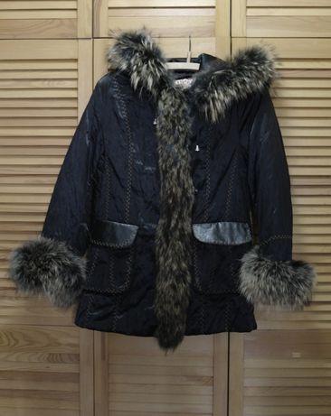 Теплая куртка зимняя с натуральным мехом енота и кролика
