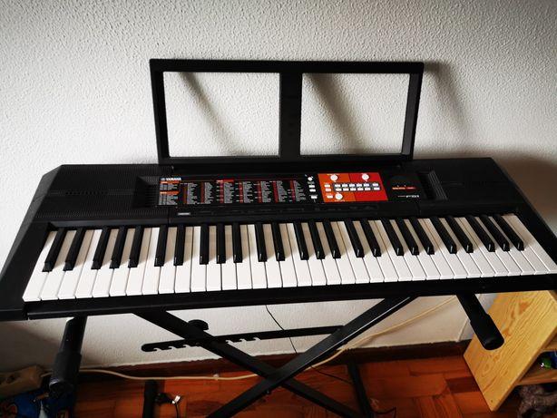 Órgão Yamaha com caixa e tripé