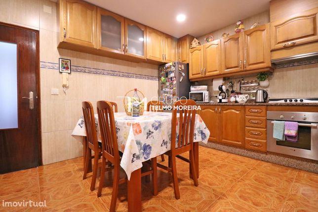Apartamento T2 c/garagem, Furadouro