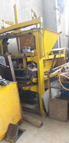 Agregat, wibroprasa do produkcji wyrobów z betonu,