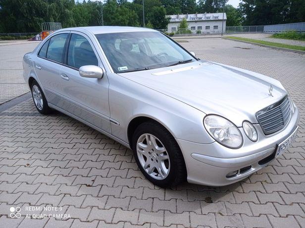Mercedes-Benz E klasa.Bezwypadkowy bez korozji.100% Oryginał.Stan BDB