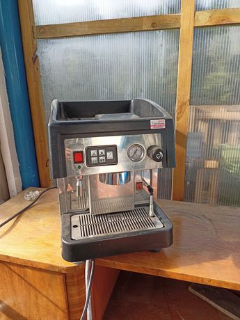 Kolbowy Ekspres do kawy astoria