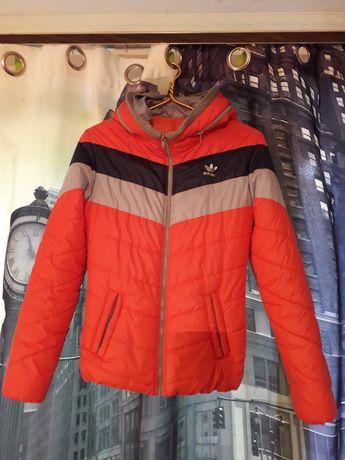 Куртка женская,детская размер м