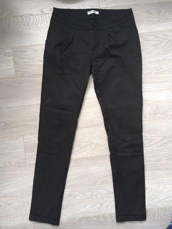 Spodnie czarne jak nowe