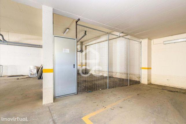 Arrecadação com 35,70 m2 | Tapada do Matias (Évora)