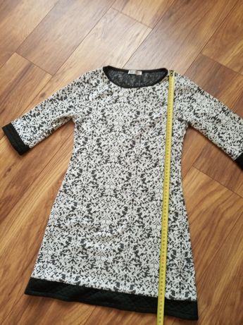 Sukienka krótka z rękawem